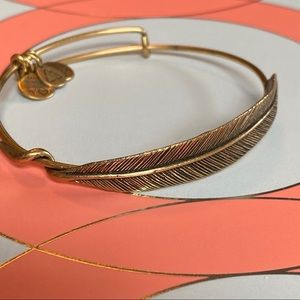 Alex and Ani Quill Feather Bangle Rafaelian Gold